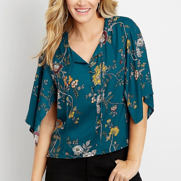 Maurices Tops - Maurices Large floral kimono sleeve blouse